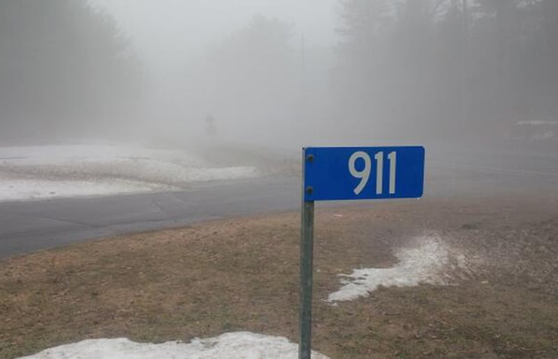 911 property signs