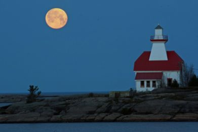 points of interest - carling Lighthouse in the evening